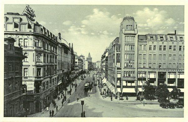 c353d5a399 pohlednice Praha – pojišťovna Koruna   cca 1930